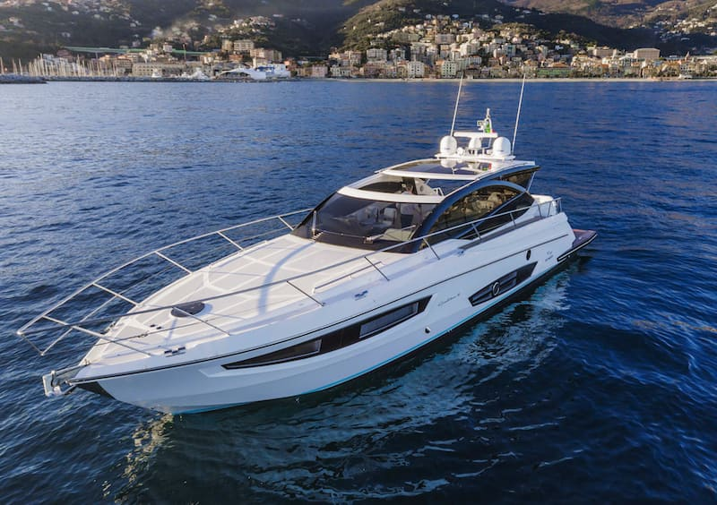 Rio Yachts Sport Coupe 56, proue