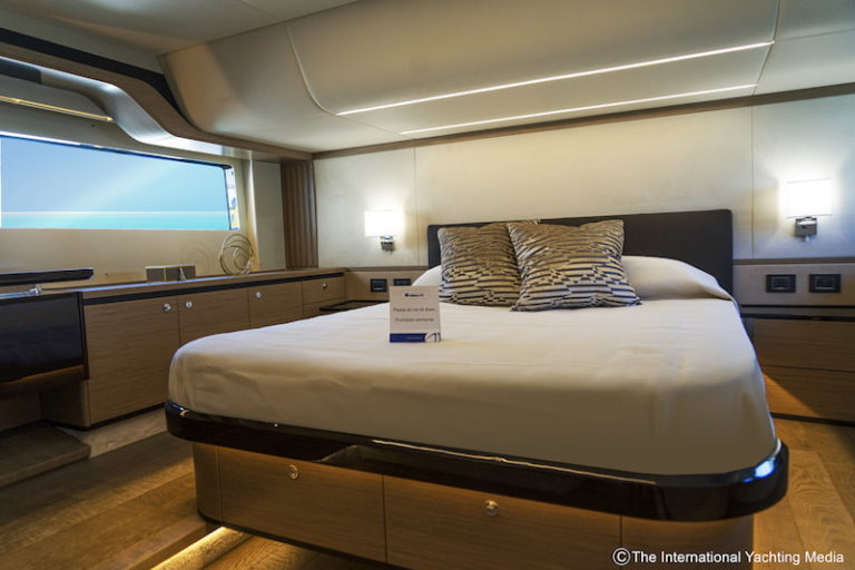 Absolute Yachts Navetta52, cabine