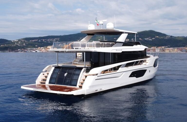 Absolute Navetta 64 poupe