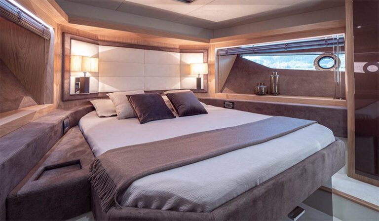 sessa fly 68 gullwing, cabine VIP